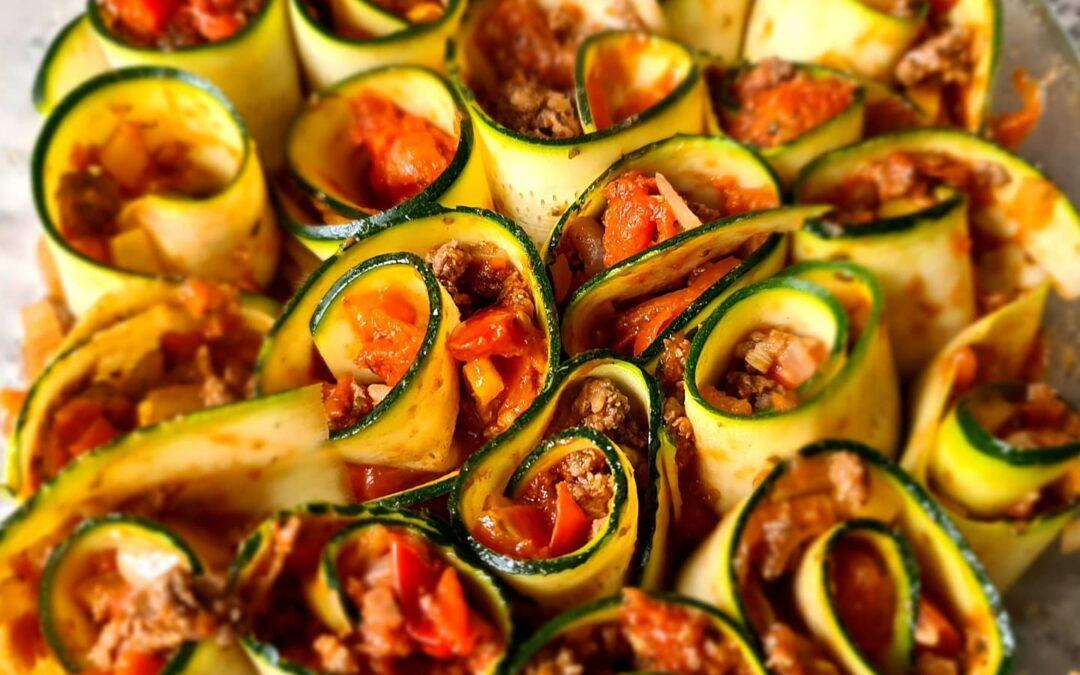 Lasagne van courgetterolletjes