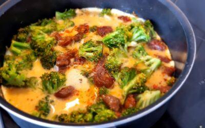 Omelet met chorizo en broccoli